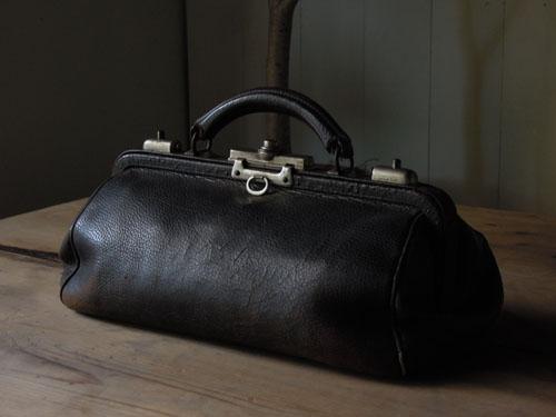 ディスプレイとしても,アンティーク,カバン,レザーバッグ,ドクターズバッグ,鞄,ショップ,ディスプレイ,古道具,雑貨