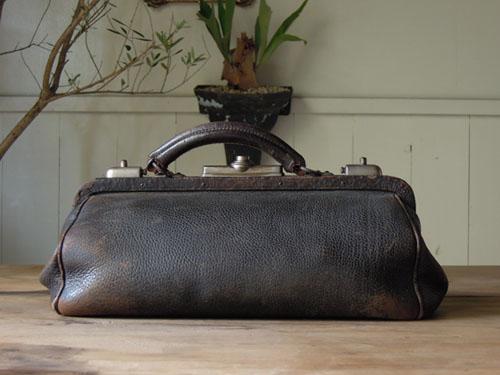 アンティーク,カバン,レザーバッグ,ドクターズバッグ,鞄,ショップ,ディスプレイ,古道具,雑貨,蚤の市