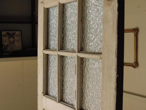 雰囲気のある古いガラス,アンティーク,ヴィンテージ,ドア,玄関ドア,白,ペイント,ガラス