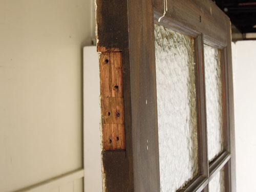 蝶番はなし,アンティーク,ヴィンテージ,ドア,木製ドア,白,ペイント,こげ茶,ガラス窓