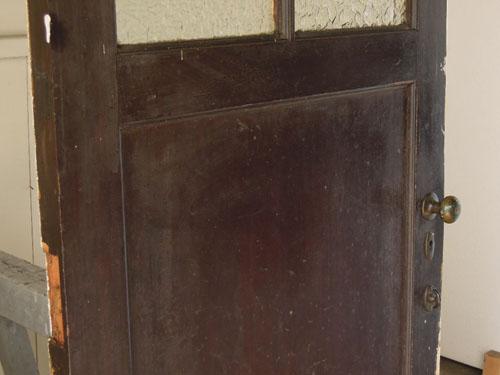 アンティーク感のある風合い,アンティーク,ヴィンテージ,ドア,木製ドア,白,ペイント,こげ茶,ガラス窓