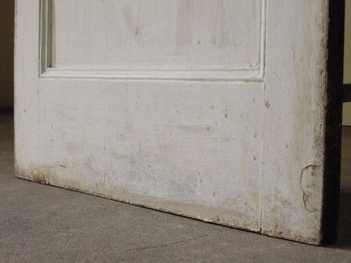脚元の状態,アンティーク,ヴィンテージ,建具,ドア,玄関ドア,白,ペイント,イギリス,オーク材