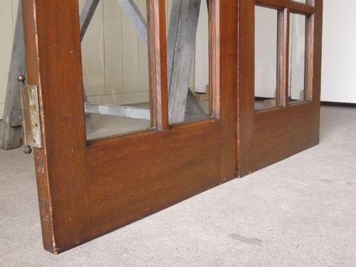脚元,アンティーク,両開き扉,観音開き,ドア,建具,木製,洋館,店舗