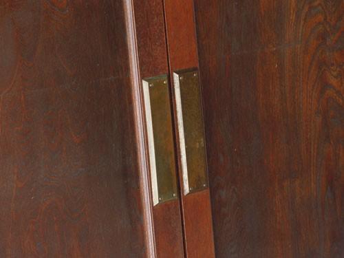 金具もいい風合いに,アンティーク,ヴィンテージ,建具,木製,観音開き扉,両開き戸
