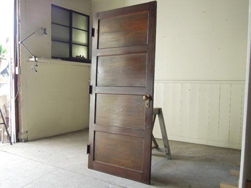 逆側,アンティーク,ドア,建具,洋館,木製,ドアノブ,鍵付き,書斎,アトリエ,