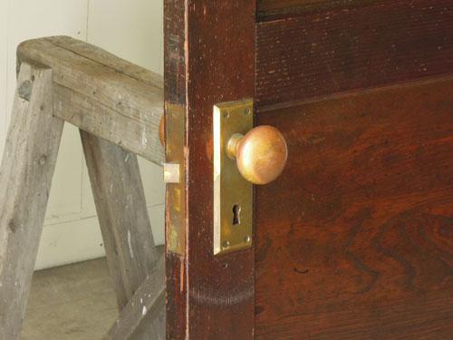ドアノブも雰囲気ある印象,アンティーク,ドア,洋館,木製,ドアノブ,鍵付き,書斎,アトリエ,