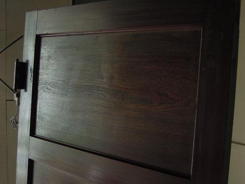 きれいな木目,アンティーク,ドア,洋館,木製,ドアノブ,鍵付き,書斎,アトリエ,