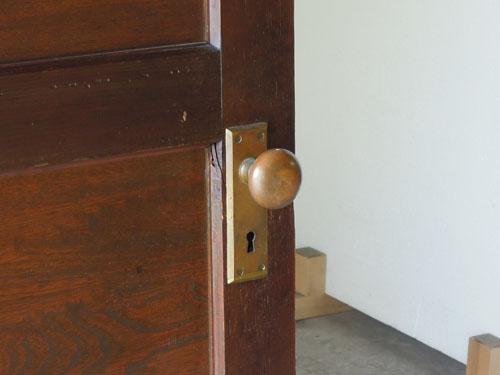 古いドアノブ,アンティーク,ドア,洋館,木製,ドアノブ,鍵付き,書斎,アトリエ,