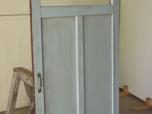 ペイントの経年変化,アンティーク,ドア,木製,建具,ペイント,ブルーグレー,アトリエ,小屋