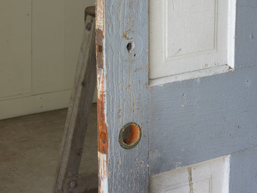 ドアノブと鍵はなし,アンティーク,ヴィンテージ,ドア,建具,ペイント,白,店舗,ディスプレイ