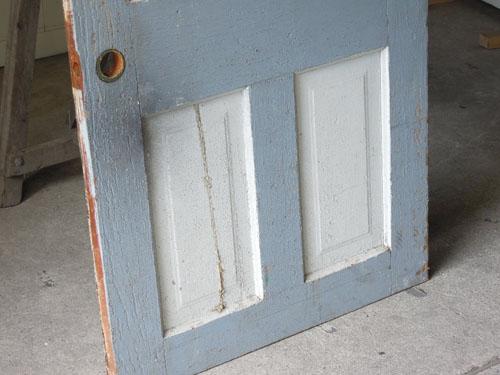 可愛らしい色合い,アンティーク,ヴィンテージ,ドア,建具,ペイント,白,店舗,ディスプレイ