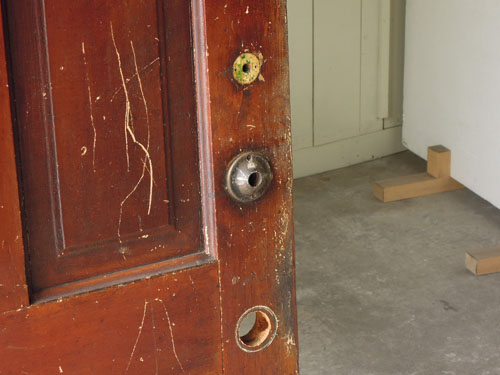 ドアノブはなし,アンティーク,ヴィンテージ,ドア,建具,ペイント,白,店舗,ディスプレイ