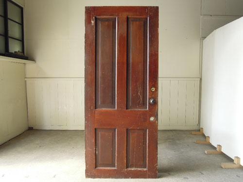 裏面は茶色,アンティーク,ヴィンテージ,ドア,建具,ペイント,白,店舗,ディスプレイ