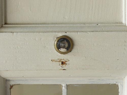 覗き穴も,アンティーク,ドア,建具,木製,ステンドグラス,格子,ペイント,白,リノベーション