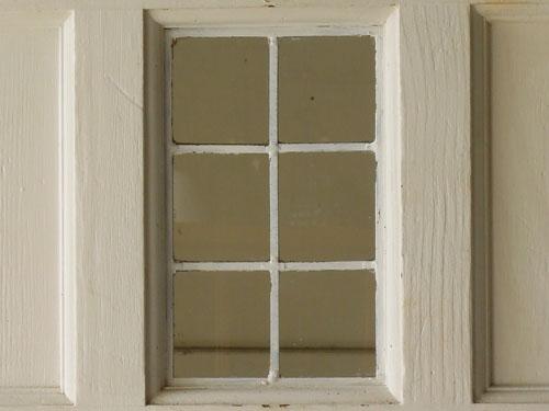 すっきりとした小窓,アンティーク,ドア,建具,木製,ステンドグラス,格子,ペイント,白,リノベーション