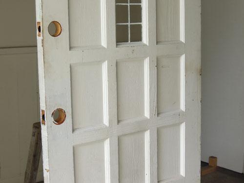 風合いのあるペイント,アンティーク,ドア,建具,木製,ステンドグラス,格子,ペイント,白,リノベーション