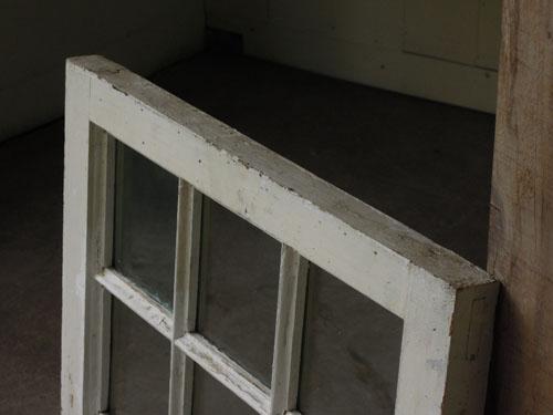 上部の状態,アンティーク,窓,建具,木製,格子,ペイント,白,リノベーション
