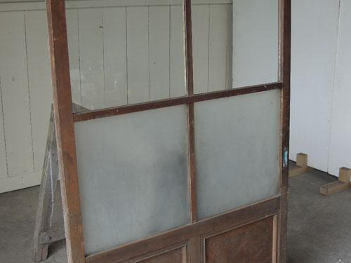 曇りガラスとクリアガラスのコンビ,アンティーク,ドア,建具,ペイント,白,茶,リノベーション,店舗