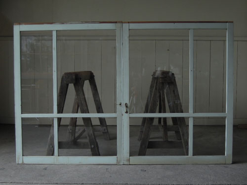 正面,アンティーク,窓,引き違い戸,ペイント,ブルーグレー,建具,ガラス戸,リノベーション,店舗