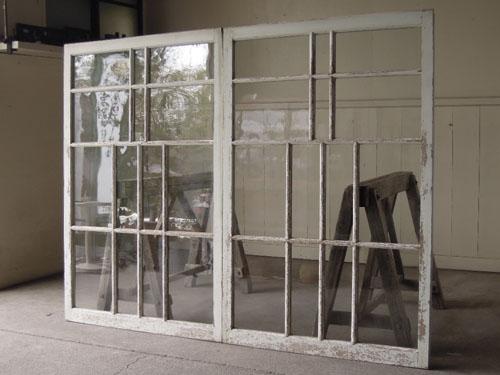 アンティーク,引き違い戸,ガラス戸,引戸,建具,ペイント,リノベーション,店舗,間仕切り,格子