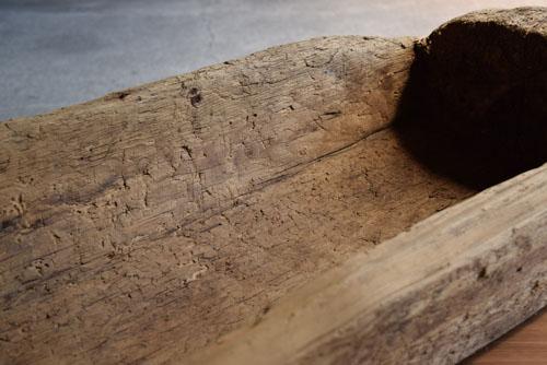 丸太をくり抜いた形状,アンティーク,器,木製,ボウル,花器,ディスプレイ,ショップ,ギャラリー,什器
