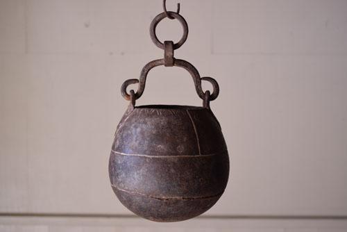 アンティーク,鉄器,釣瓶,装飾,インド,ディスプレイ,コレクション,古道具,