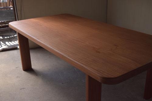 アンティーク,ヴィンテージ,北欧家具,デンマーク,チーク材,ダイニングテーブル,素材の雰囲気