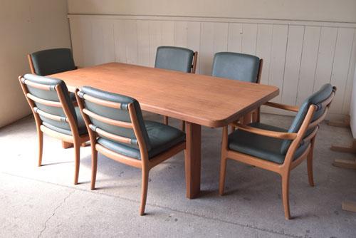 アンティーク,ヴィンテージ,北欧家具,デンマーク,チーク材,ダイニングテーブル,ゆったり6人掛け