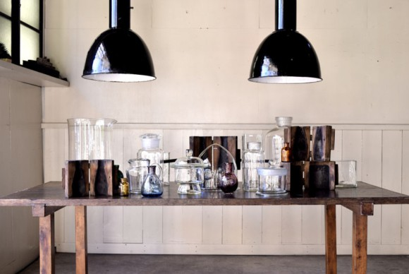 インダストリアルライト,アンティークトランク,アンティークガラス,保存容器,キャニスター,収納,宙吹き型ガラス,色硝子