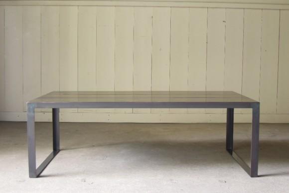 正面,座卓,ローテーブル,アイアンセンターテーブル,アイアンテーブル,インダストリアルテーブル,オリジナル,店舗什器,アンティーク什器,受注製作,黒皮,蜜蝋仕上げ