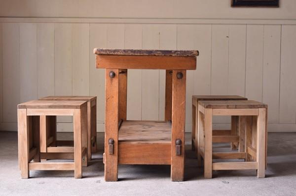 アンティーク,作業台,図工室の作業台,カウンター,テーブル,キッチン台,木味