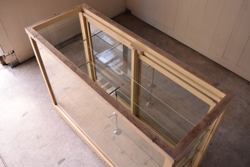 天板もガラス,ガラスケース,ガラスショーケース,ショーケース,陳列,什器