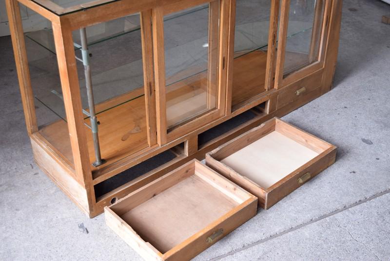 引き出し内部もきれいな状態,アンティーク,ガラスケース,ショーケース,パンケース,什器,陳列,ショップ