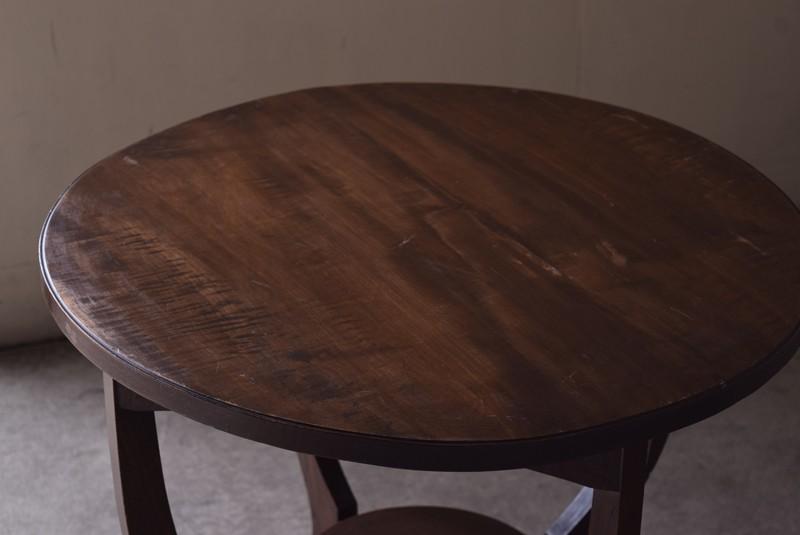 アンティーク,ヴィンテージ,テーブル,ラウンドテーブル,カフェテーブル,天板の雰囲気