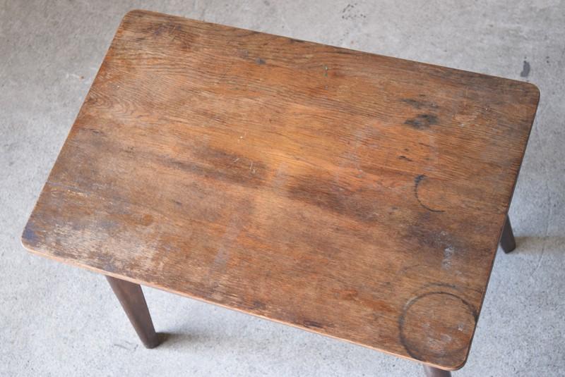 アンティーク,ヴィンテージ,テーブル,センターテーブル,ナラ材,楢材,カフェ,俯瞰