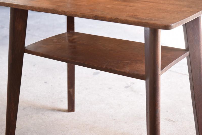 アンティーク,ヴィンテージ,テーブル,センターテーブル,ナラ材,楢材,カフェ,本や雑誌を置ける棚板付