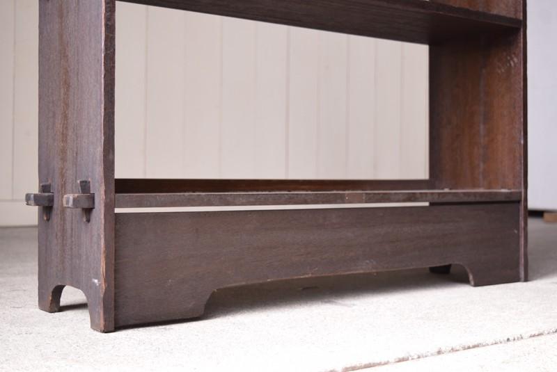 脚元は高め,アンティーク,ヴィンテージ,本棚,オープンラック,透かし彫り,陳列棚
