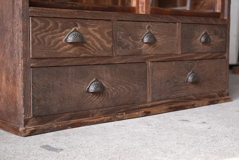 格好良い木目の栗材,アンティーク,ヴィンテージ,食器棚,整理箪笥,収納棚,ガラス戸収納棚,什器,家具