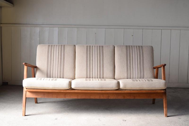 正面,3人掛けソファ,デンマーク,チーク材,ヴィンテージ,60's,70's、