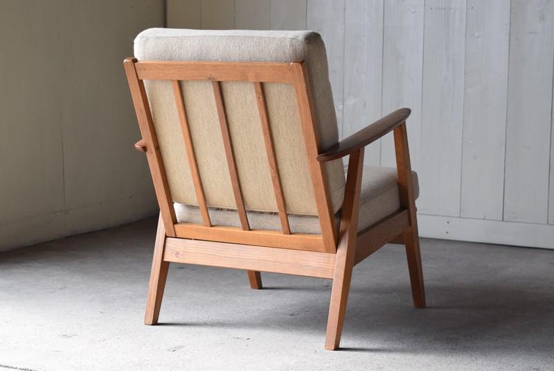 背面も美しいデザイン,デンマーク家具,北欧家具,イージーチェア,ソファ,ビンテージ,チーク材,オーク材