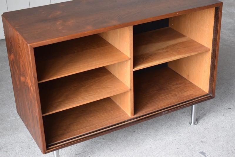 内部もきれいな状態,本棚としても,デンマーク,ビンテージ,ローズウッド,サイドボード,