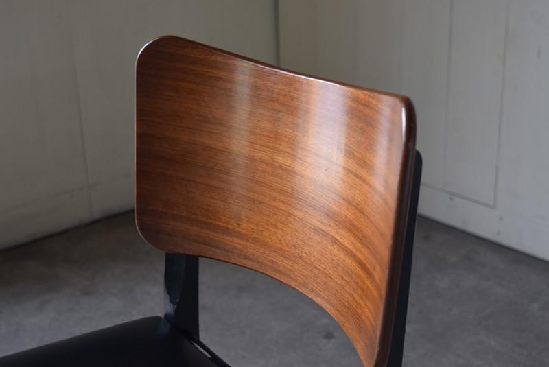 きれいな木目の背もたれ,G-plan,ダイニングチェア,イス,北欧,デンマーク,チーク材