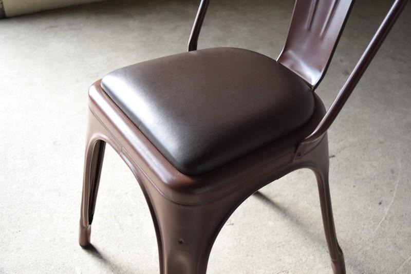 シートパッドがついた特別仕様,ヴィンテージ,椅子,TOLIX,Aチェア,フランス製,カフェチェア