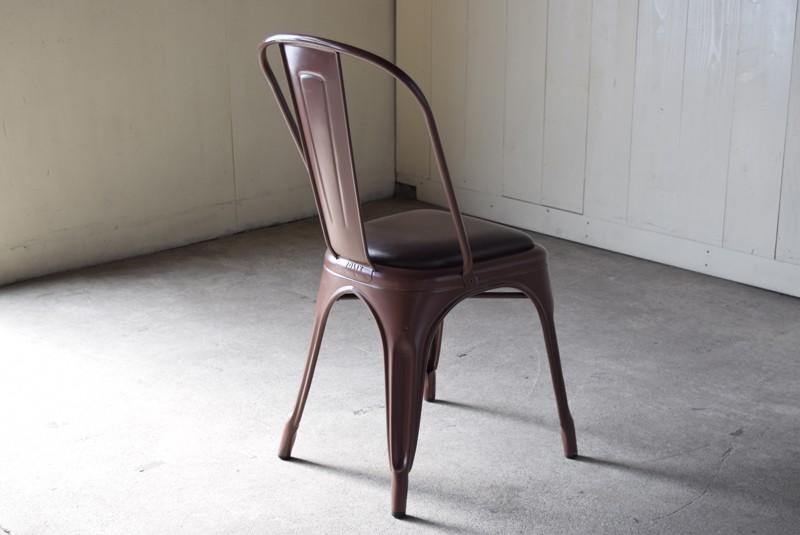 佇む雰囲気もいい,ヴィンテージ,椅子,TOLIX,Aチェア,フランス製,カフェチェア