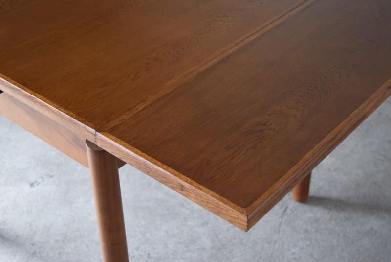 伸張部の天板の状態,ヴィンテージ,カリモク,karimoku,テーブル,ダイニングテーブル,エクステンションテーブル