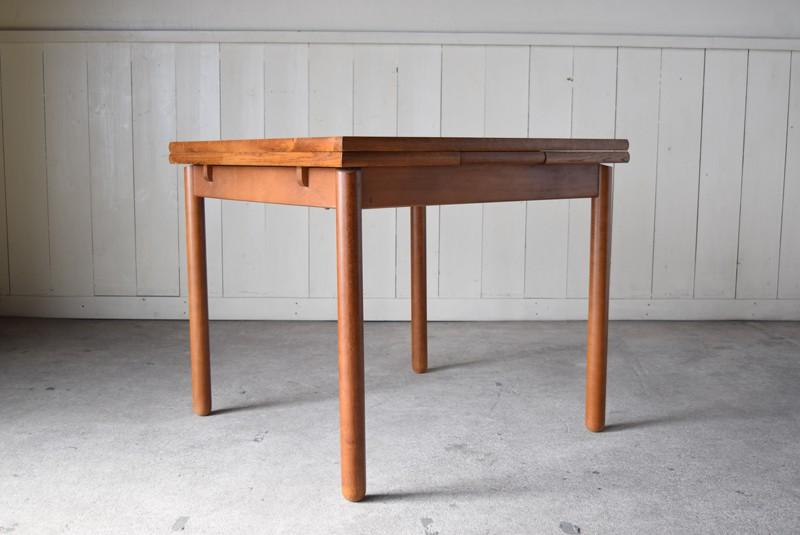 コンパクトにすると2人掛けに最適,ヴィンテージ,カリモク,karimoku,テーブル,ダイニングテーブル,エクステンションテーブル