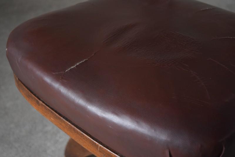 シートは皺部分に生地の切れ,アンティーク,ヴィンテージ,チェア,椅子,回転椅子,郵便局,木製