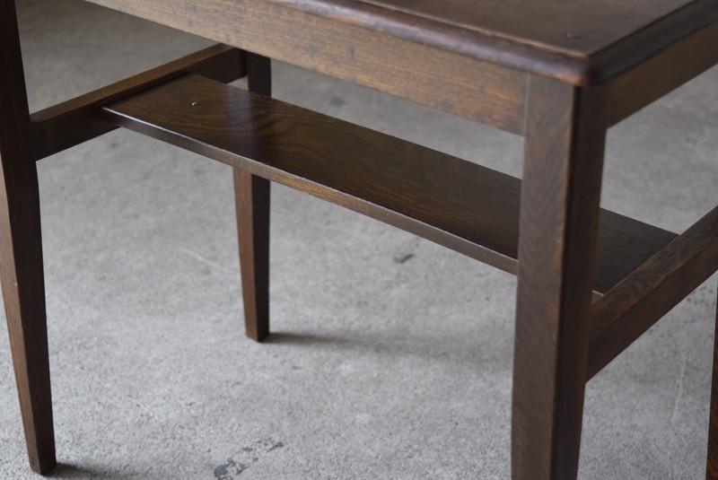 小さなラック付き,アンティーク,ヴィンテージ,サイドテーブル,ローテーブル,ナイトテーブル,こげ茶,深い色味