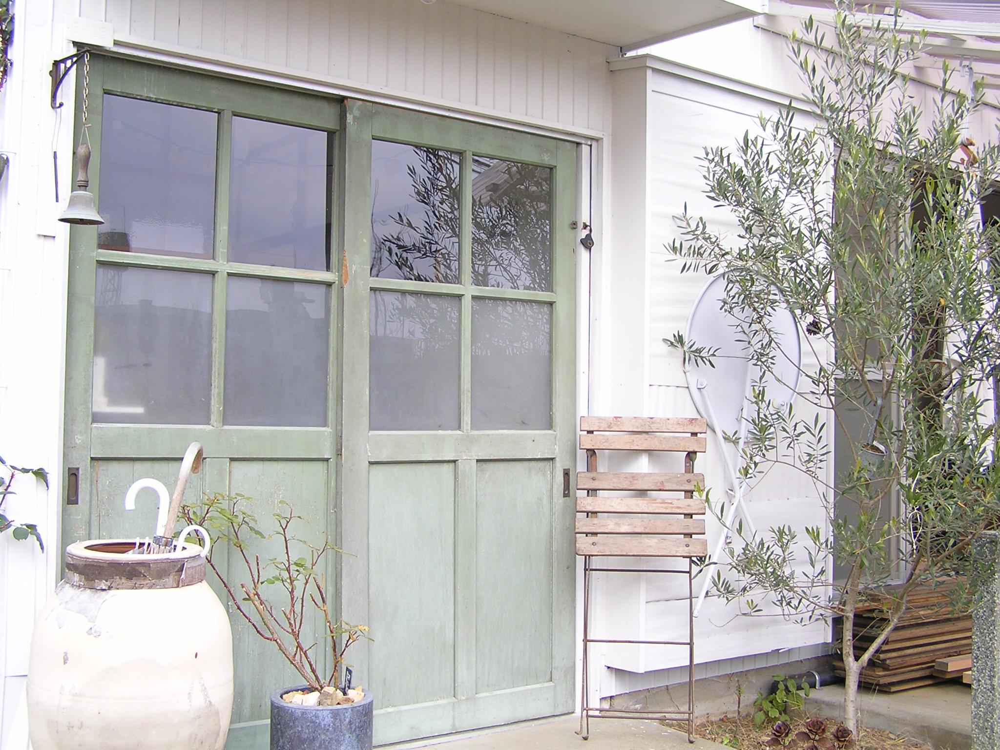 アンティークドア,リノベーション,ガーデニング,オリーブの木