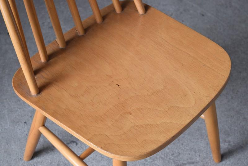 座面の雰囲気,イギリス,北欧,ウィンザーチェア,椅子,チェア,ヴィンテージ,アンティーク,イルマリタピオヴォーラ,ファネットチェア,コームバック
